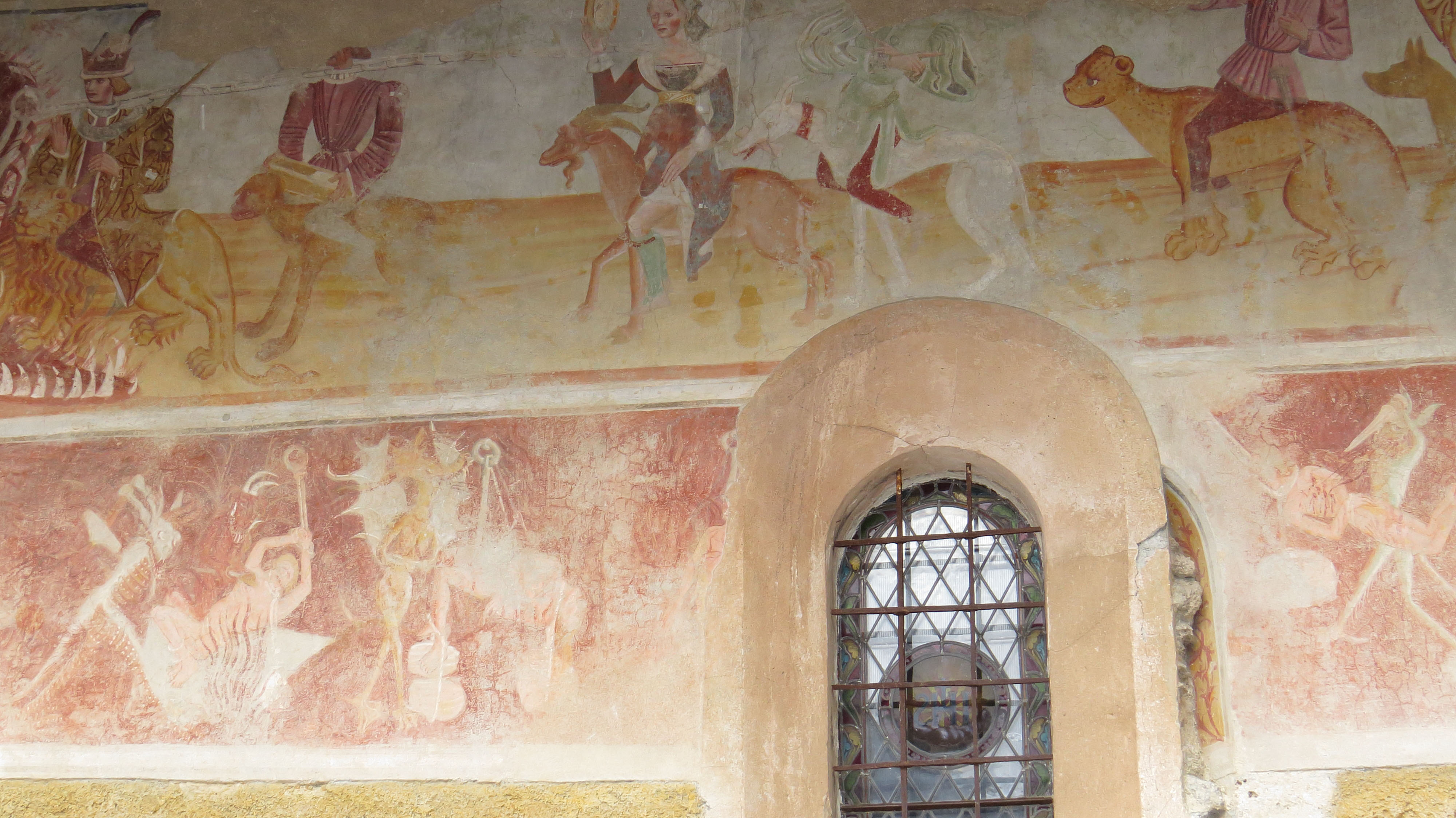Peintures murales extérieures église 05