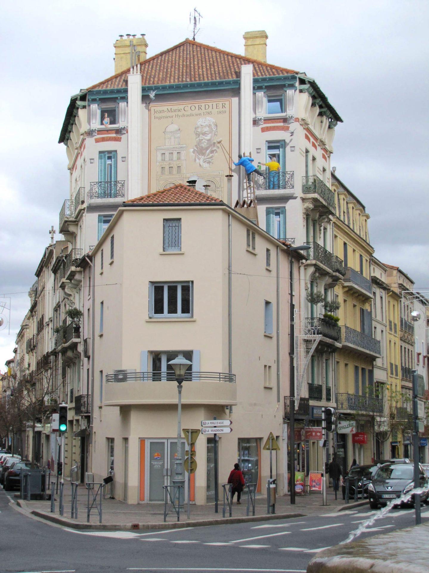 Trompe l'oeil extérieur  - haut façade immeuble Beziers- détail fenêtre bas droit